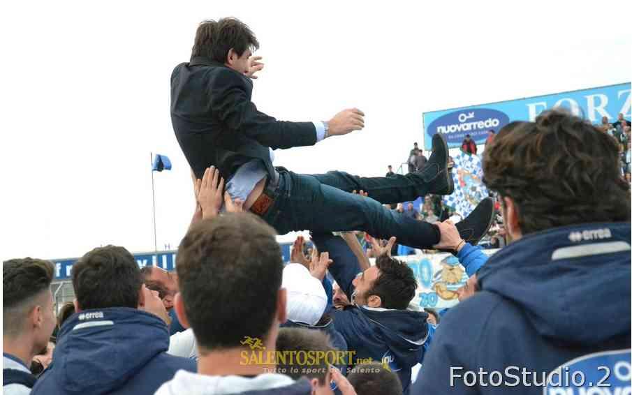 Stefano Trinchera festeggiato dai suoi