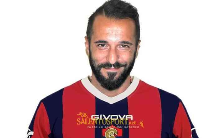 Sergio De Tommaso con la maglia dell'H. Taranto
