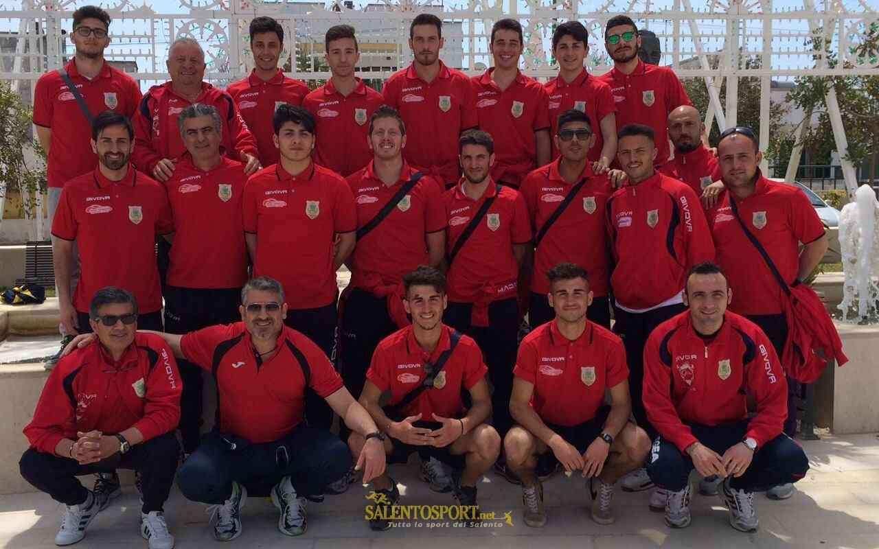 Giocatori e staff del Lizzano