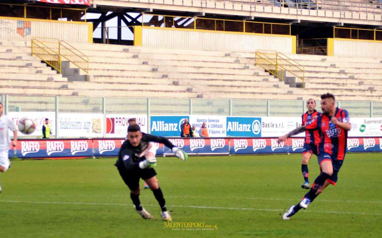 G. Genchi realizza il gol del 2-0 (@F. Capriglione per Salento Sport)