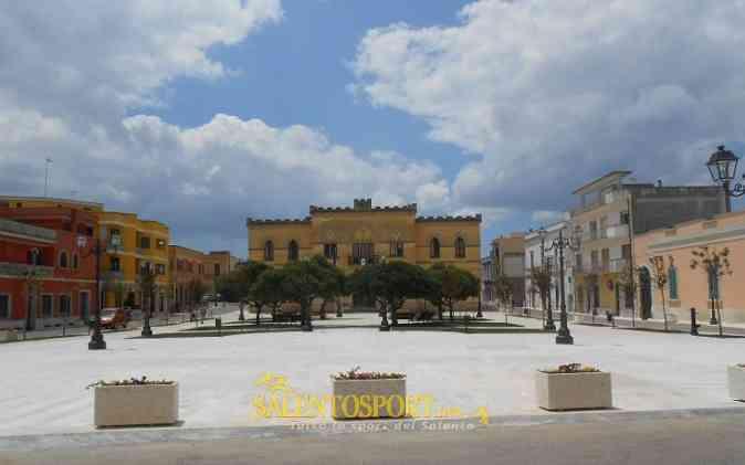 Collepasso piazza Dante (@infocollepasso.it)
