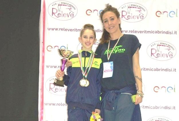 Sofia Fischetti con l'allenatrice Alessia De Giorgi