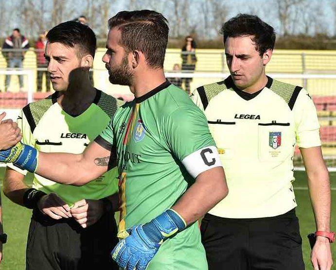 ugento-gallipoli-saluto-capitani-portaccio-andrea-esposito-011219-ss-coribello