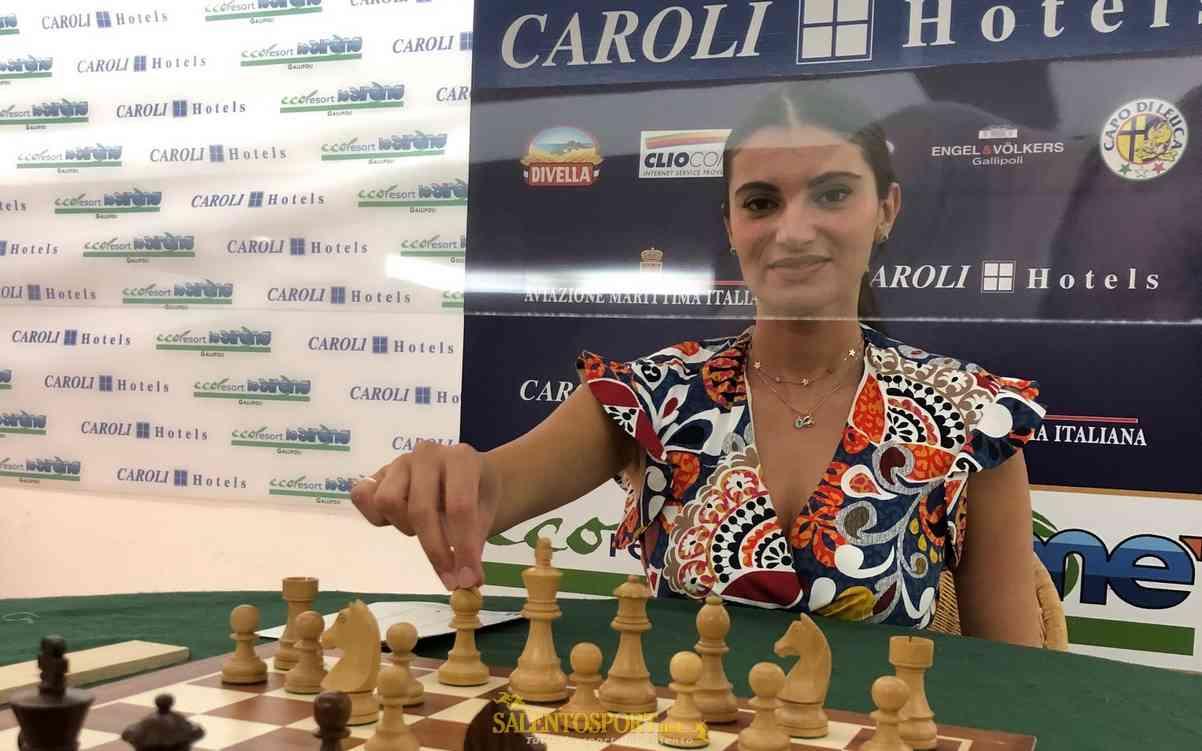 scacchi-caroli-hotels-benedetti-martina-infermiera-set-20
