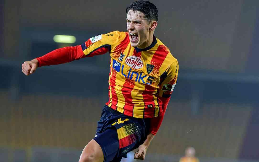 LA CRONACA – Stepinski segna, Gabriel para un rigore: Lecce grigio ma solido e Reggina ko